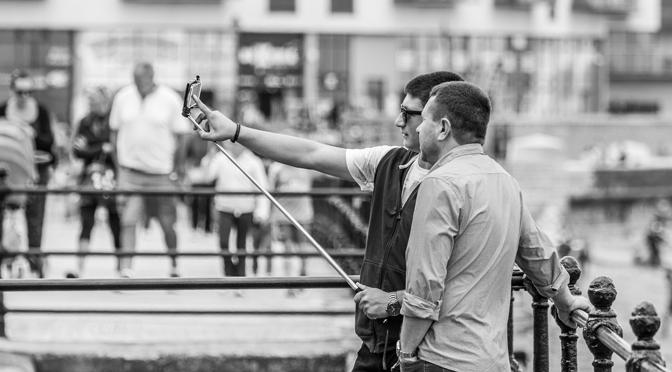 17 things more annoying than selfie sticks